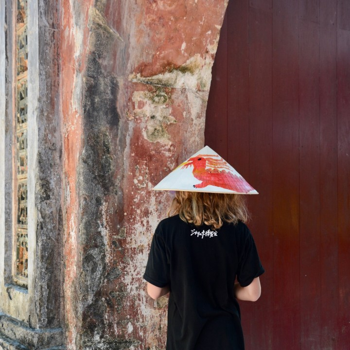 vietnam with kids hue tomb minh mang non la