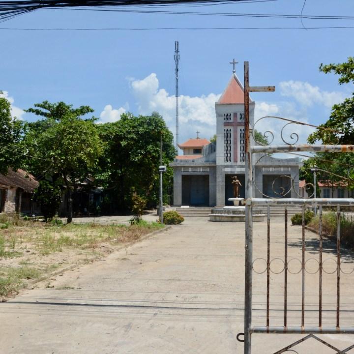 vietnam with kids hue church