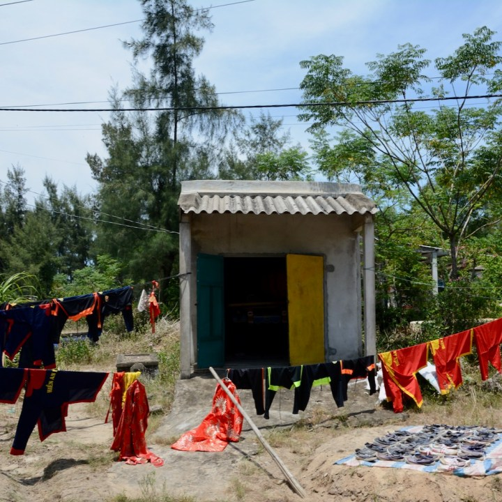 vietnam with kids cai lau lagoon team