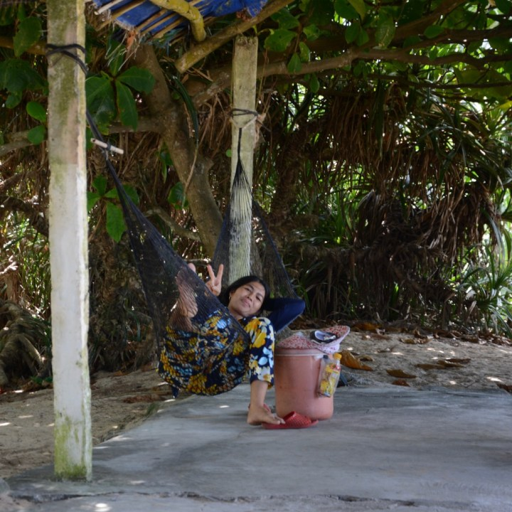 vietnam with kids cai lau lagoon food lady