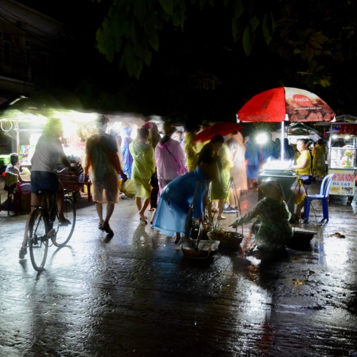 hoi an by night with kids street stall