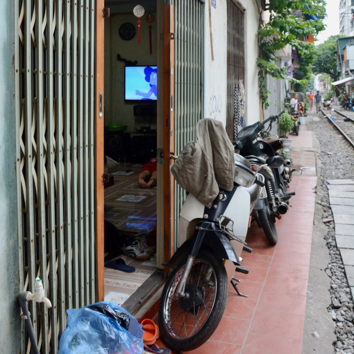 hanoi with kids tv show