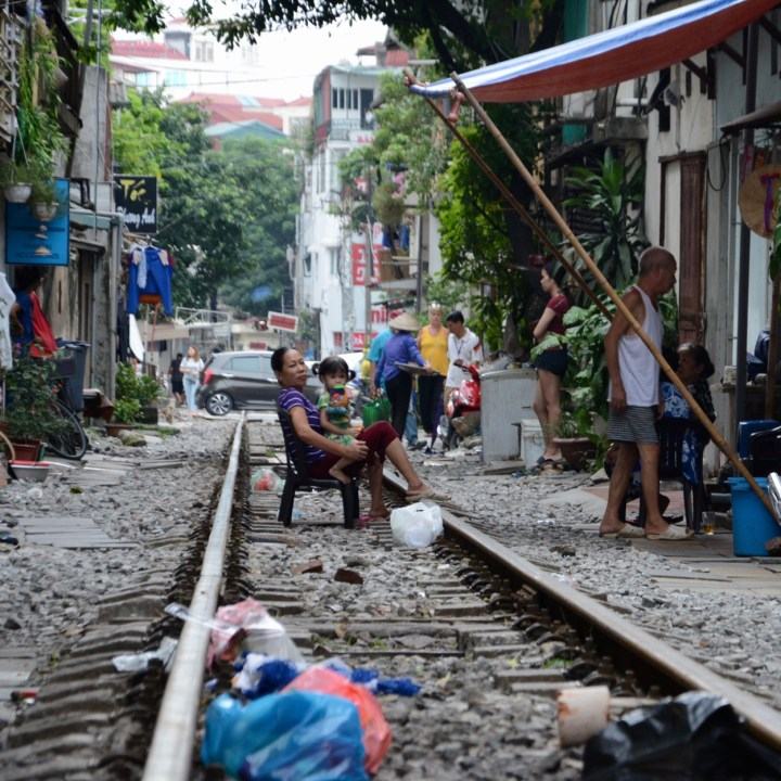 hanoi with kids on track