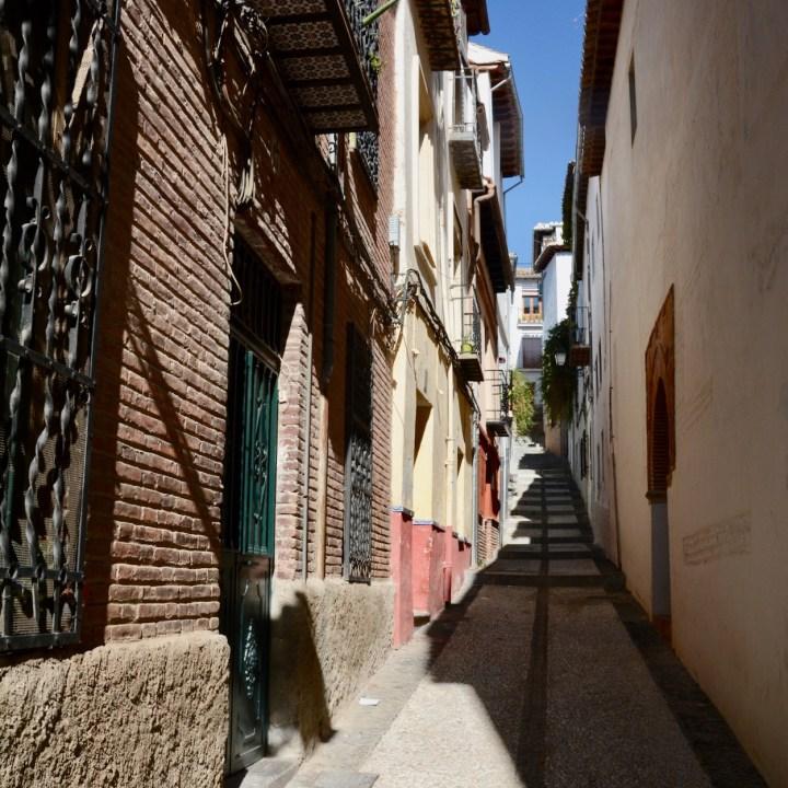 granada with kids albaicin alleys