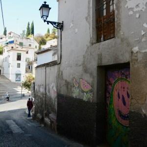 granada with kids palacio dar al horra casa del chapiz streetart
