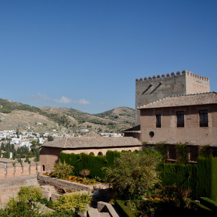 alhambra with kids nasrid palace garden view