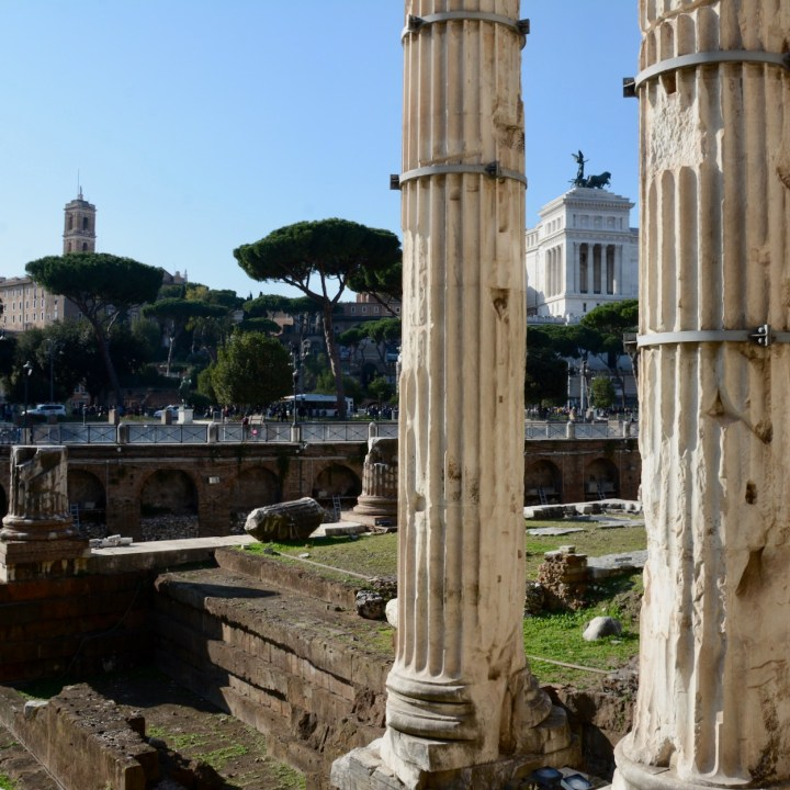 Rome with kids columns