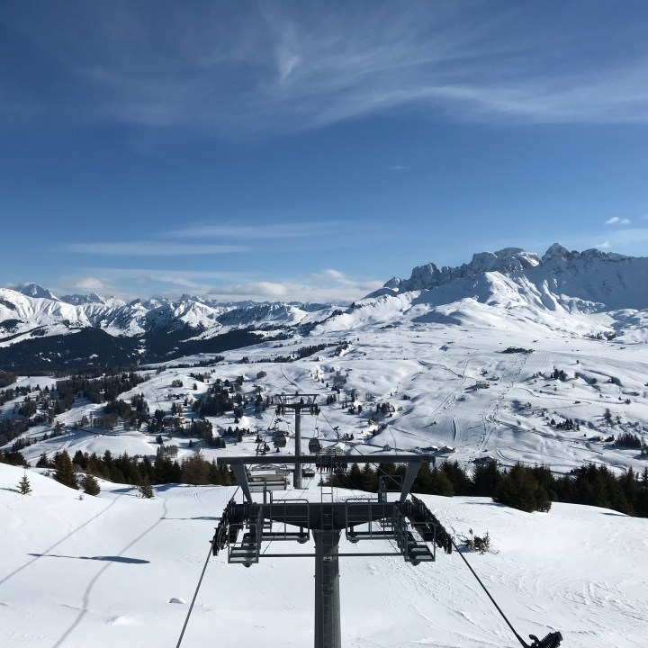 seiser alm skiing with kids panoramic view