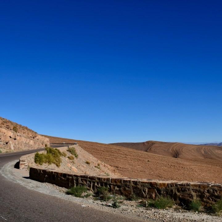 Morocco with kids drive M'Hamaid roadside