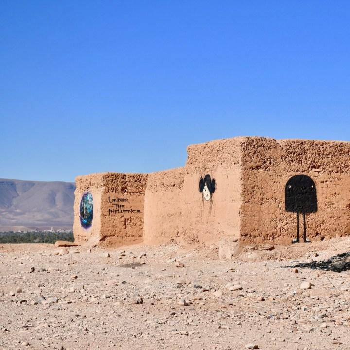 Agdz Morocco with kids draa valley hike graffiti