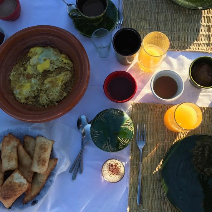 La Kahena luxury camp Erg Chigaga Sahara breakfast