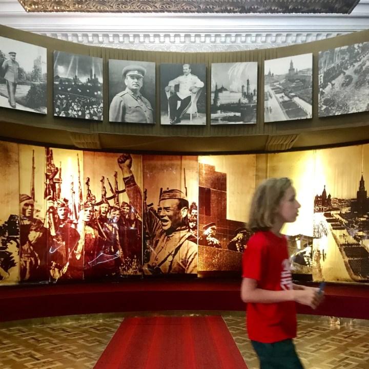 Gori Stalin Museum with kids war photos