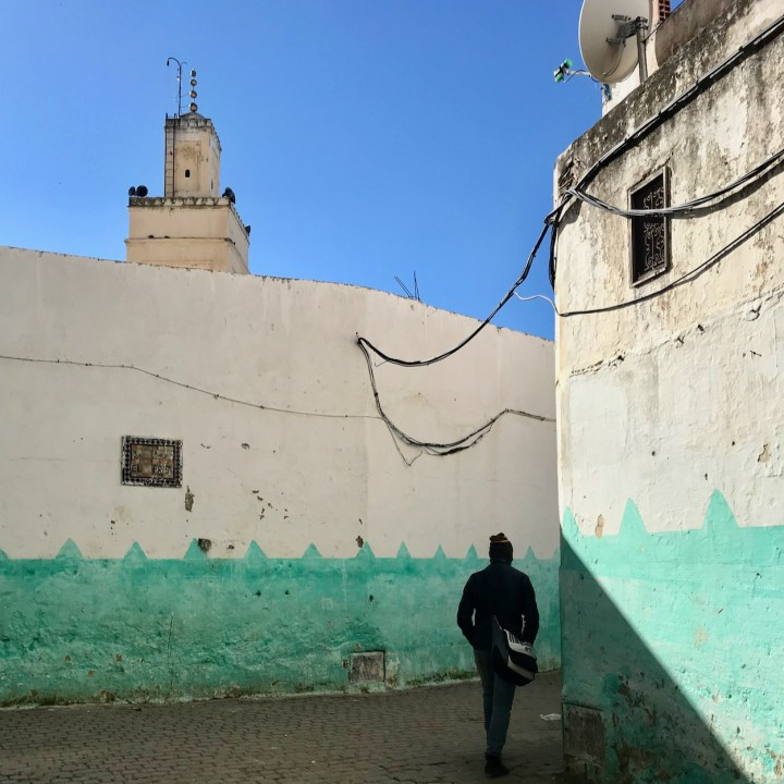 Moulay Idriss, Morocco | Truly Getting Lost in the Pastel Coloured Alleys
