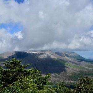 Shinmoedake volcano view