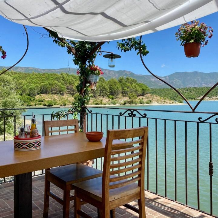 Albania, Fishte, restaurant