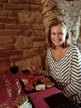 A typical lunch for us in Tuscany: meat, bread, wine and water