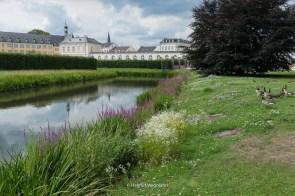 Teich an Süd-Seite des Schlosses