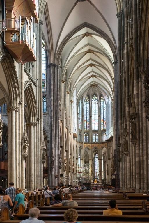 Hauptschiff im Kölner Dom