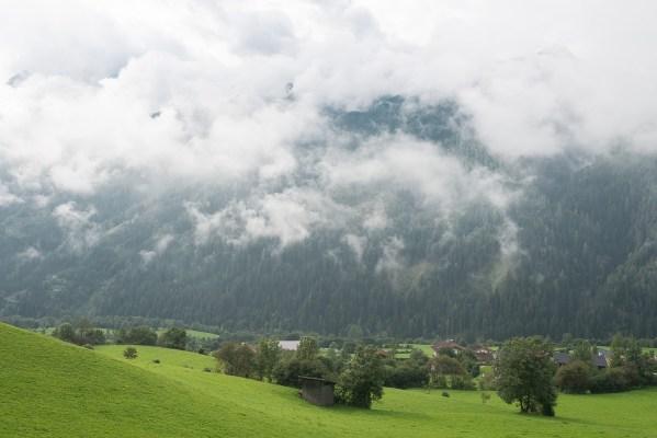Tiefe Wolken im Virgental