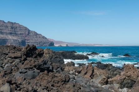 Die Lava floss bis ins Meer