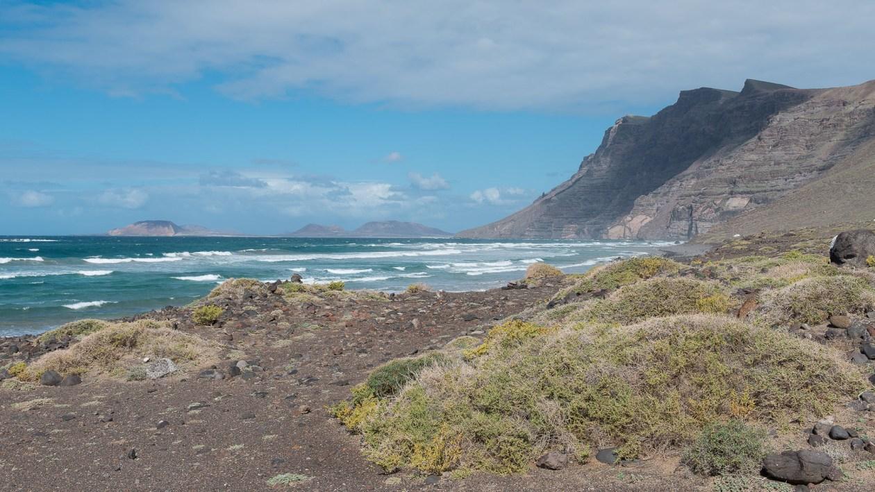 Risco de Famara mit La Graciosa im Hintergrund