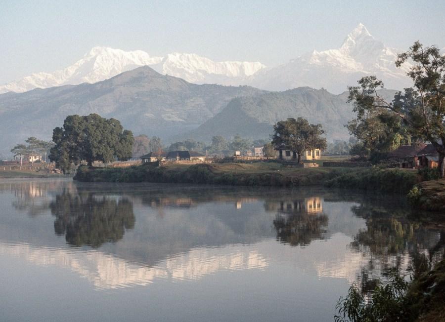 Lake Pokhara im Morgenlicht