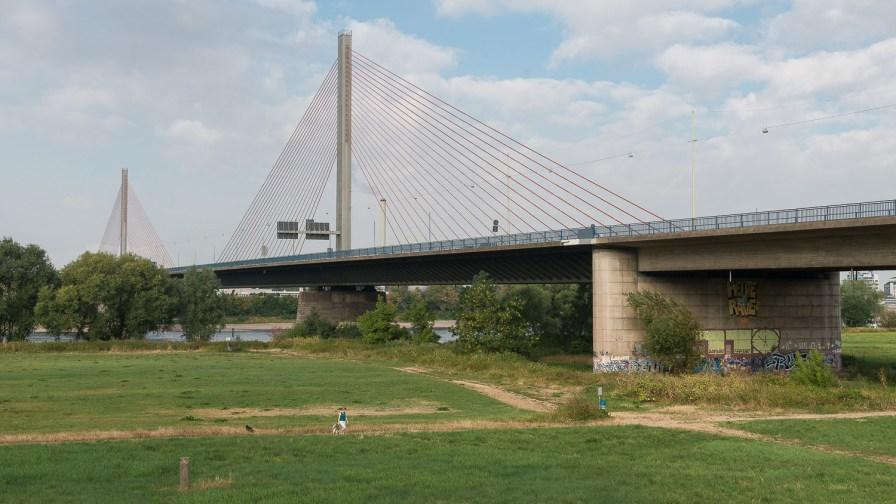 Autobahnbrücke über den Rhein