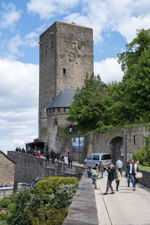 Besucherandrang bei Burg Blankenstein