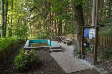 Kneip-Station mitten im Wald