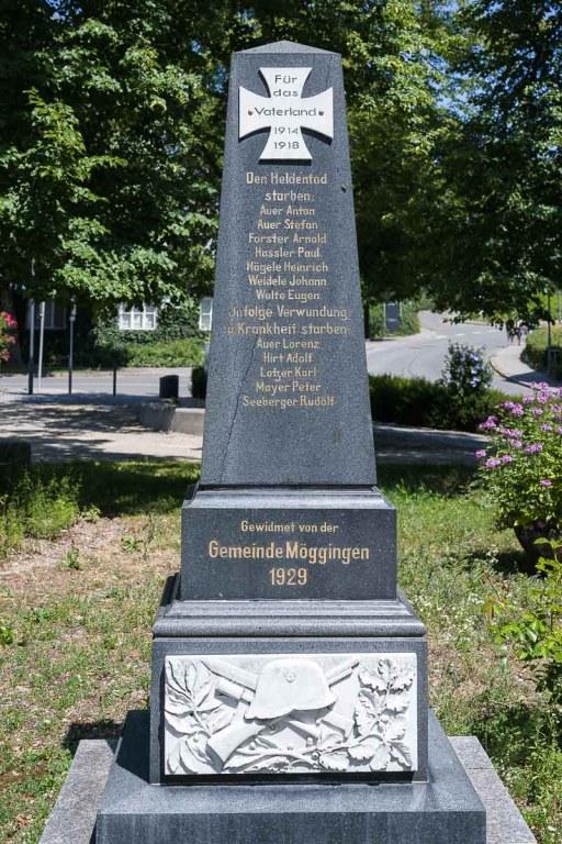 Seltsame Beschriftung am Kriegerdenkmal