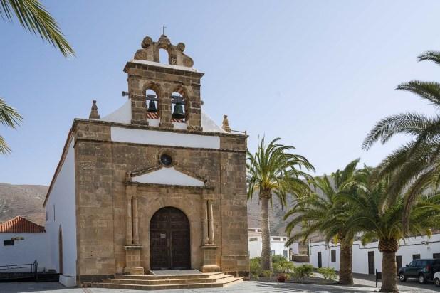 Wallfahrtskirche im Ort