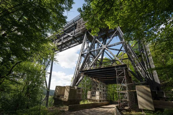Unterquerung der Eisenbahnbrücke