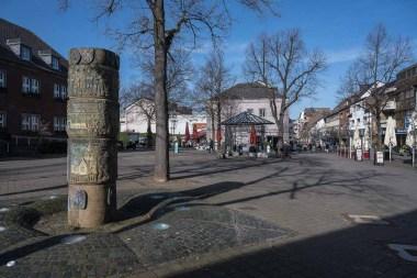 Am Rathausplatz in Dormagen