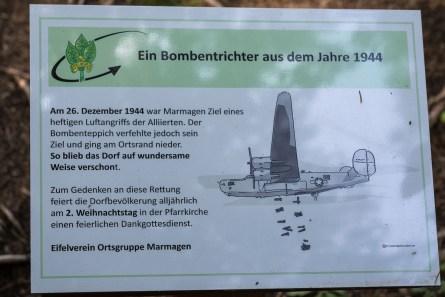 Info Tafel zum Bombenangriff
