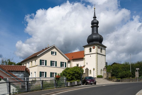Pfarrkirche in Strahlungen