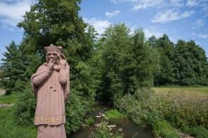 Statue auf einer Brücke in Thulba