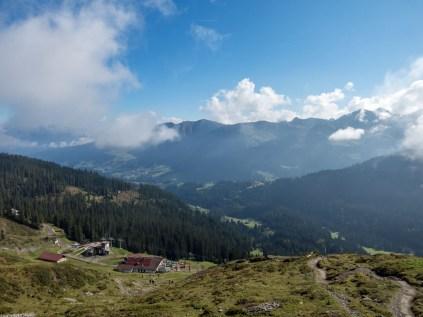 Die ersten Höhenmeter sind geschafft - Blick auf die Ifenhütte