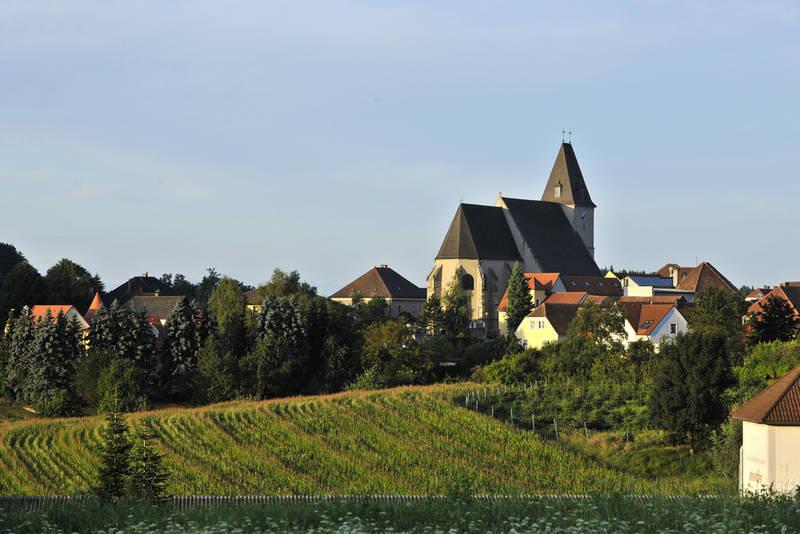csm_302_wallfahrtskirche-maria_laach-nutzungsrechte_vorhanden-c-naturparke_nieder__sterreich-robert_herbst-wwwpovat__1_86e38318d1