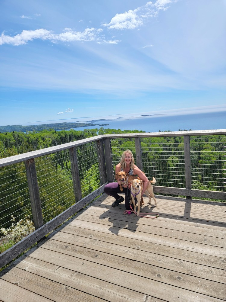 Thrilling Things to See on the North Shore overlook