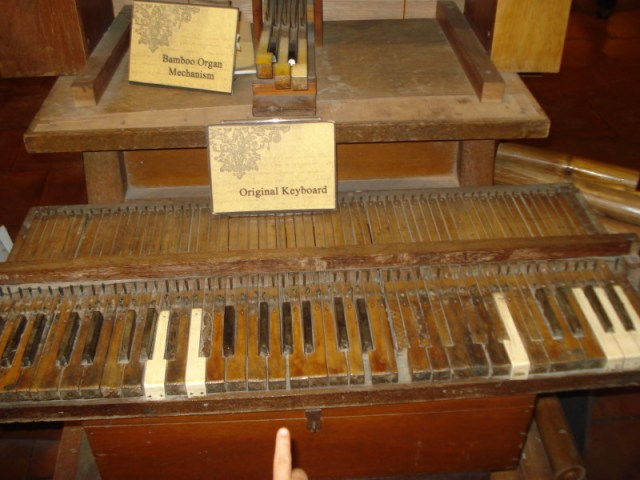 Bamboo Organ Keyboard