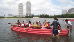 Odaiba Eboat Race: Great Fun and Clear Blue Sky
