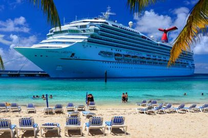 carnival-liberty-carnival-cruise-lines-cruise-ship-photos-2014-09-15-at-grand-turk