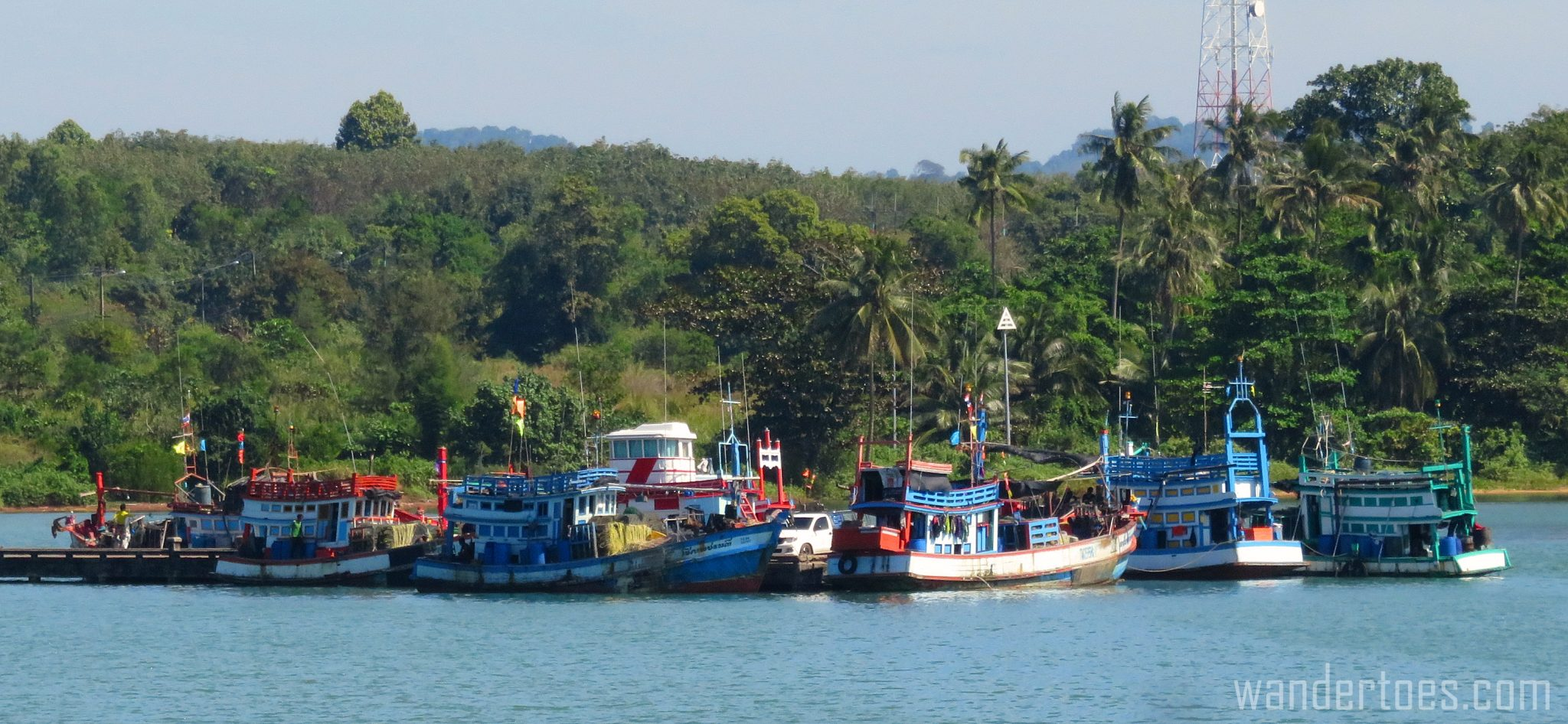 kohchang-boats-ferry