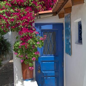 10 Beautiful Doors of Athens