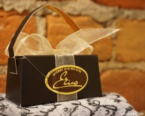 Enrico chocolate shop gift package. Quebec City shopping artisan souvenirs.