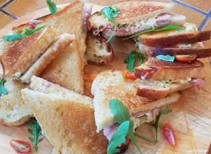 YUMMY, fresh grilled cheese at Fromagerie Des Grondines. Foodie Travel, St. Roch, Quebec City