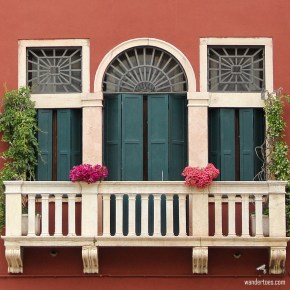 17 Distinctive Windows of Venice