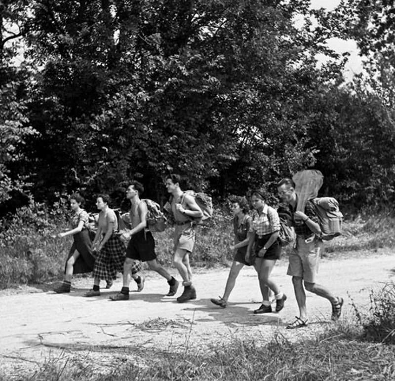 Les Auberges de Jeunesse - Randonnée vers 1937