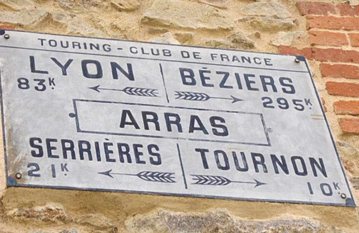 Touring club de France - Panneau indicateur