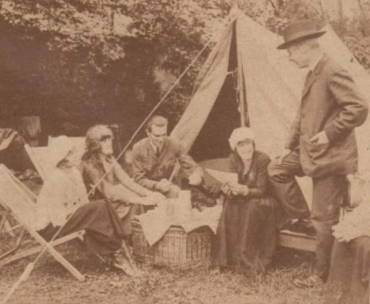 1919-07-06_Le Miroir_La grande vogue du camping en Angleterre_cover